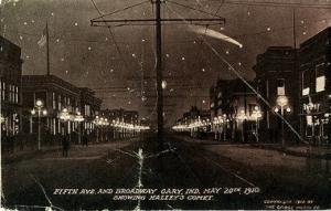 Composición del aspecto que tenía el cometa Halley en 1910 sobre Nueva York a partir de una foto de la Quinta Avenida. (Foto: Crose Photo Company/Collection